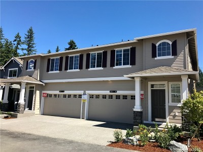 Snohomish County Condo/Townhouse For Sale: 4921 130th Place SE #17