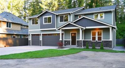 Lakewood Single Family Home For Sale: 11822 Interlaaken Dr SW