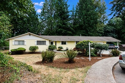 Tumwater Single Family Home For Sale: 647 Dennis Ct SE