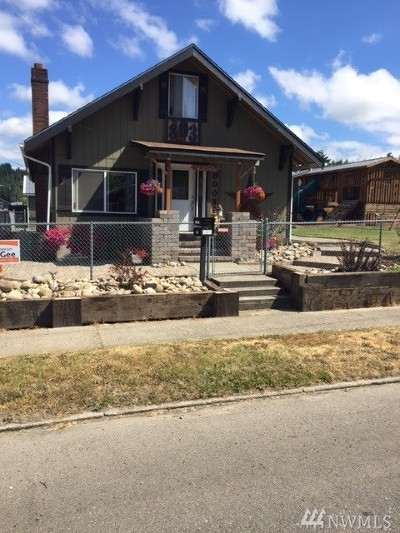 Centralia Single Family Home For Sale: 803 Marion St