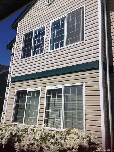 Condo/Townhouse Contingent: 639 W Horton Wy #227