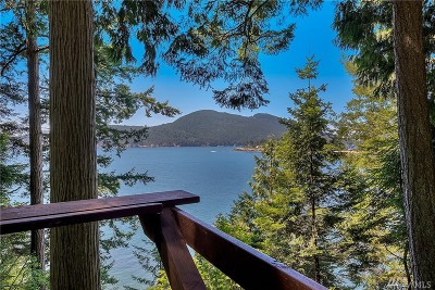 Bellingham Single Family Home For Sale: 114 Eliza Island