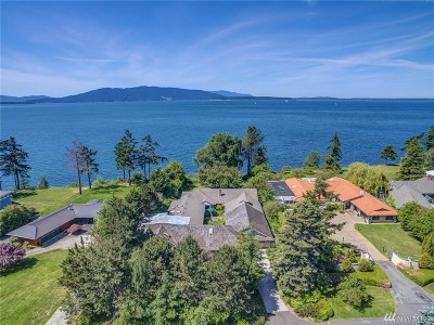 Single Family Home For Sale: 526 Bayside Rd
