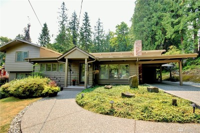 Single Family Home For Sale: 4132 Lakeway Dr