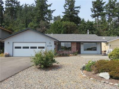 Oak Harbor Single Family Home For Sale: 2139 Stoney Beach Lane