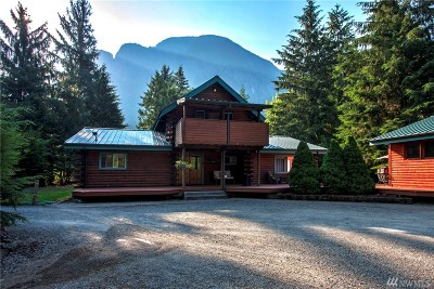 Snoqualmie Single Family Home Contingent: 7613 442nd Place SE