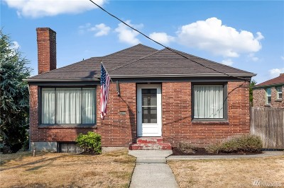 Seattle Single Family Home For Sale: 2815 11th Ave W