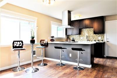 Bellevue Condo/Townhouse For Sale: 12211 SE 59th St #66