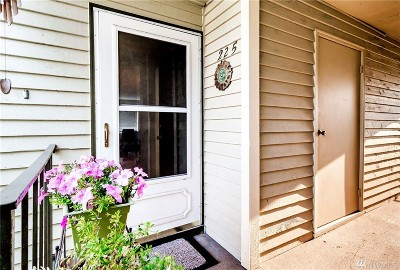 Everett Condo/Townhouse For Sale: 319 128th St SE #N225