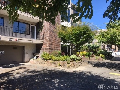Seattle Condo/Townhouse For Sale: 2200 NW 59th St #205