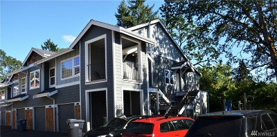 Lakewood Condo/Townhouse For Sale: 8107 Custer Rd SE #D-6