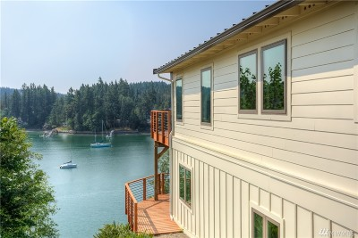 Gig Harbor Single Family Home For Sale: 215 Camp Rd NW