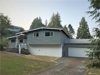 Kenmore Single Family Home For Sale: 18549 60th Ave NE