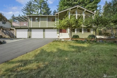 Everett Single Family Home For Sale: 8802 Shadow Wood Dr