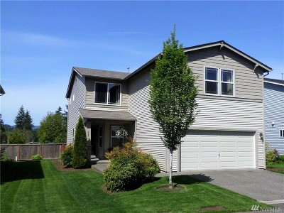 Single Family Home For Sale: 943 Candlestick Lane SW