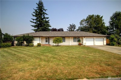 Burlington Single Family Home For Sale: 807 Quinnat Dr