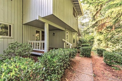 Port Ludlow Condo/Townhouse For Sale: 50 Highland Greens #50-1
