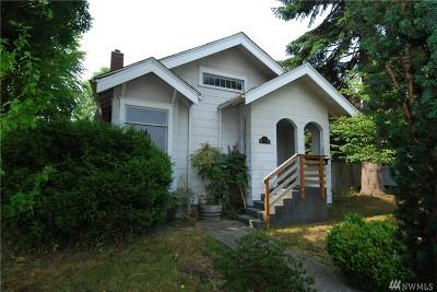Everett Single Family Home For Sale: 2432 Maple St