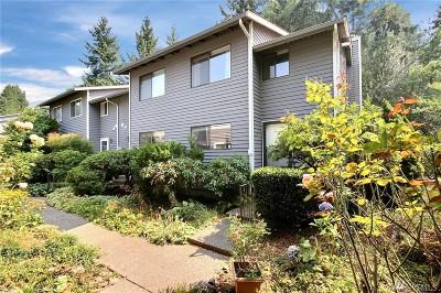 Kirkland Condo/Townhouse For Sale: 10010 NE 120th St #B-1