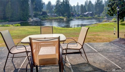 Woodinville Single Family Home For Sale: 24324 Crystal Lake Place