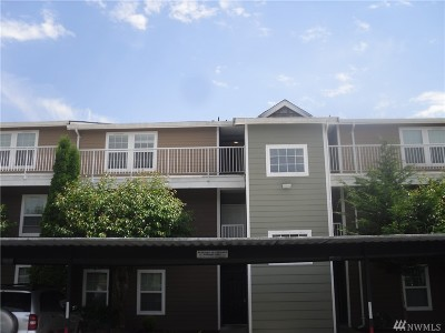 Everett Condo/Townhouse For Sale: 9815 Holly Drive #A202