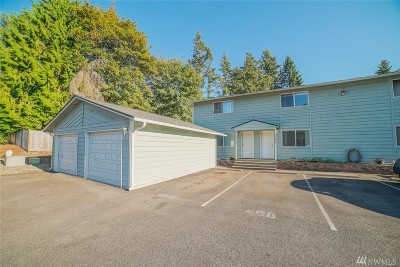 Puyallup Condo/Townhouse For Sale: 12406 121st St E
