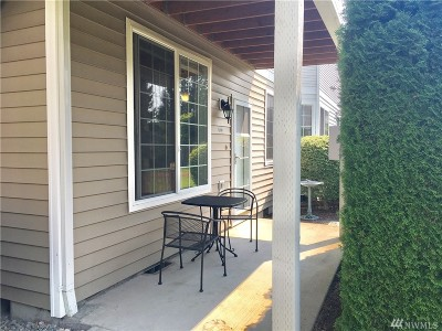 Puyallup Condo/Townhouse For Sale: 1002 9th Ave SE #H-101