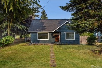 Everett Single Family Home For Sale: 6015 Rockefeller Ave