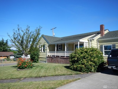 Chehalis Single Family Home For Sale: 188 NE Division St