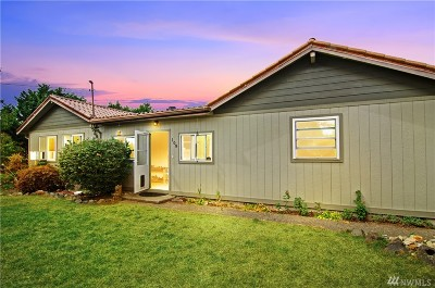 Rainier Single Family Home For Sale: 108 Olympia St E
