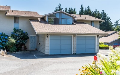 Lynnwood Condo/Townhouse For Sale: 19215 40th Ave W #C2