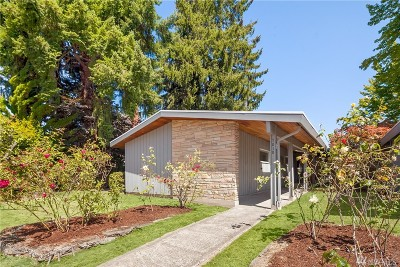 Seattle Single Family Home For Sale: 7010 55th Ave S