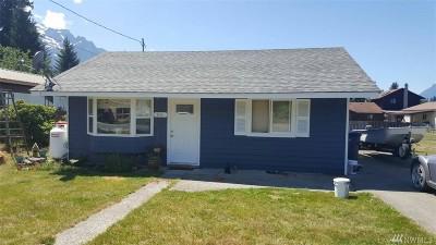 Darrington Single Family Home For Sale: 945 Sauk Ave