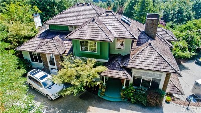Issaquah Single Family Home For Sale: 13207 230th Ave SE