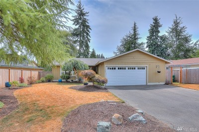 Kirkland Single Family Home For Sale: 8105 NE 142nd Place