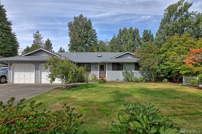 Everett Single Family Home For Sale: 715 105th Place SE