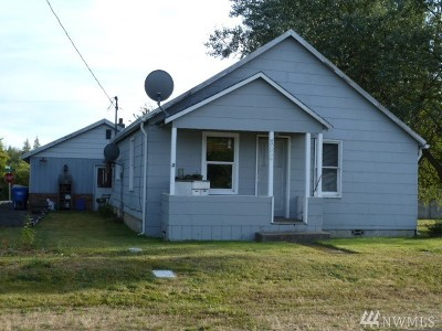 Single Family Home For Sale: 386 Main St