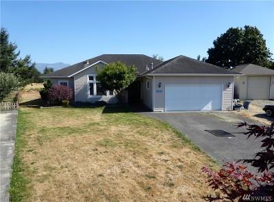 Burlington Single Family Home For Sale: 20299 Gardner Ct