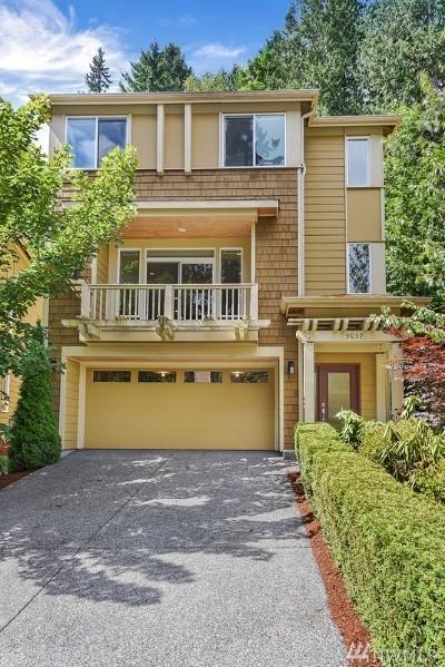 Redmond Condo/Townhouse For Sale: 9057 177th Place NE