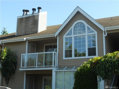Lynnwood Condo/Townhouse For Sale: 16419 Spruce Wy #F4