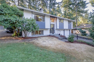 University Place Single Family Home For Sale: 8802 47th St W