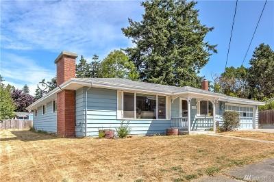 Oak Harbor Single Family Home For Sale: 1720 NE 8th