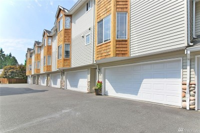 Lynnwood Condo/Townhouse For Sale: 5733 186th Place SW #F