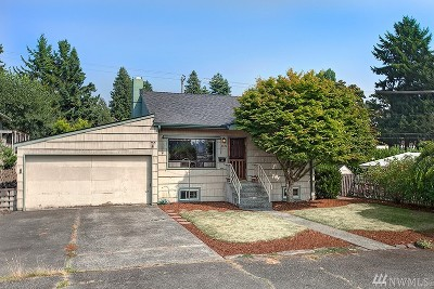 Seattle Single Family Home For Sale: 3046 47th Ave SW