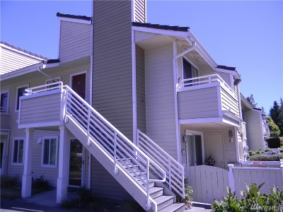 Mountlake Terrace Condo/Townhouse For Sale: 21315 52nd Ave W #G-241