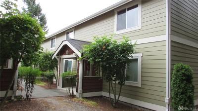 Puyallup Condo/Townhouse For Sale: 12112 113th Av Ct E #7