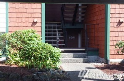 Tacoma Condo/Townhouse For Sale: 7311 N Skyview Place #F102