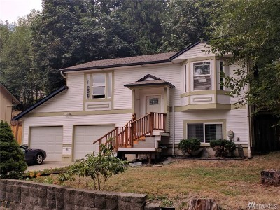 Sedro Woolley Single Family Home For Sale: 737 Fernhaven