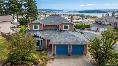 Single Family Home Sold: 1350 SW Fairhaven Dr