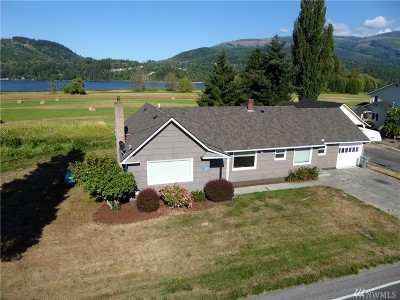 Mount Vernon Single Family Home For Sale: 13111 Beaver Lake Road
